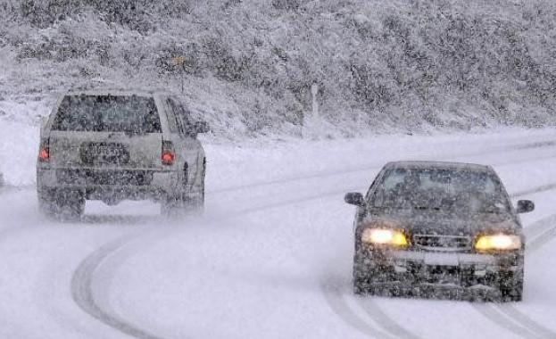 СНЕГОТ ГИ ОТЕЖНУВА УСЛОВИТЕ  АМСМ со нови забрани за сообраќај