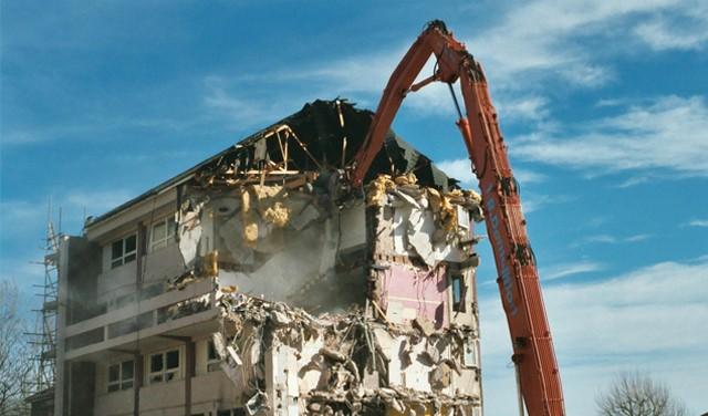 За 10 секунди урнати 19 згради