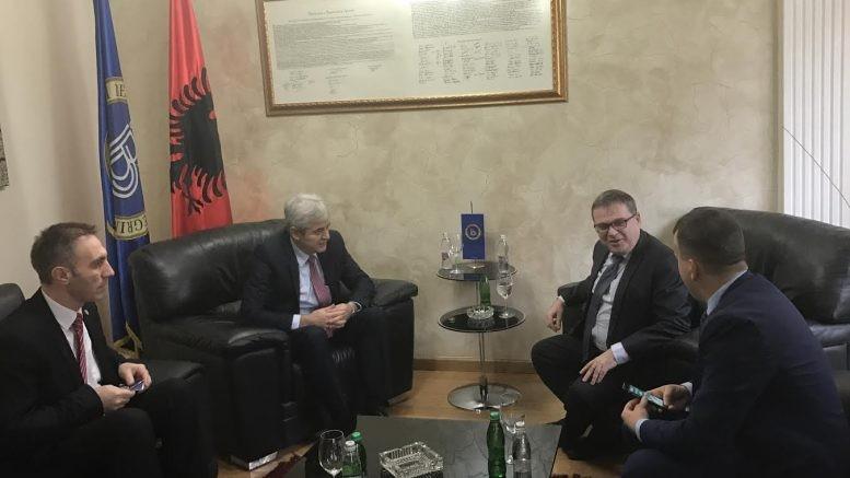 Ахмети Тимоние  Двете македонски политички партии  да се вклучат без одлагање за да се најде решение