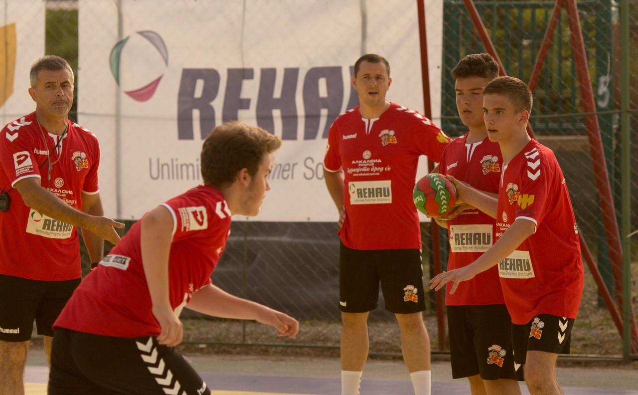 Силен интернационален тим оваа година ќе работи со учесниците на кампот на Лазаров