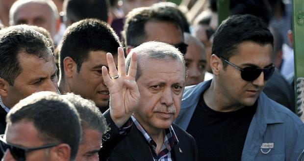 Ердоган не сака поделби  но еве го и ставот за смртната казна