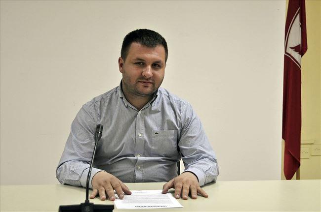 Саша Богдановиќ наместо Жерновски ќе се кандидира во општина Центар