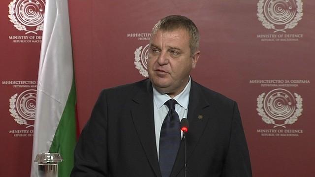 Српски аналитичар рече дека Каракачанов е Грк, а го спомена и македонското прашање