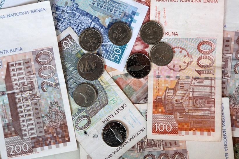 Само во две земји од ЕУ платите не пораснале