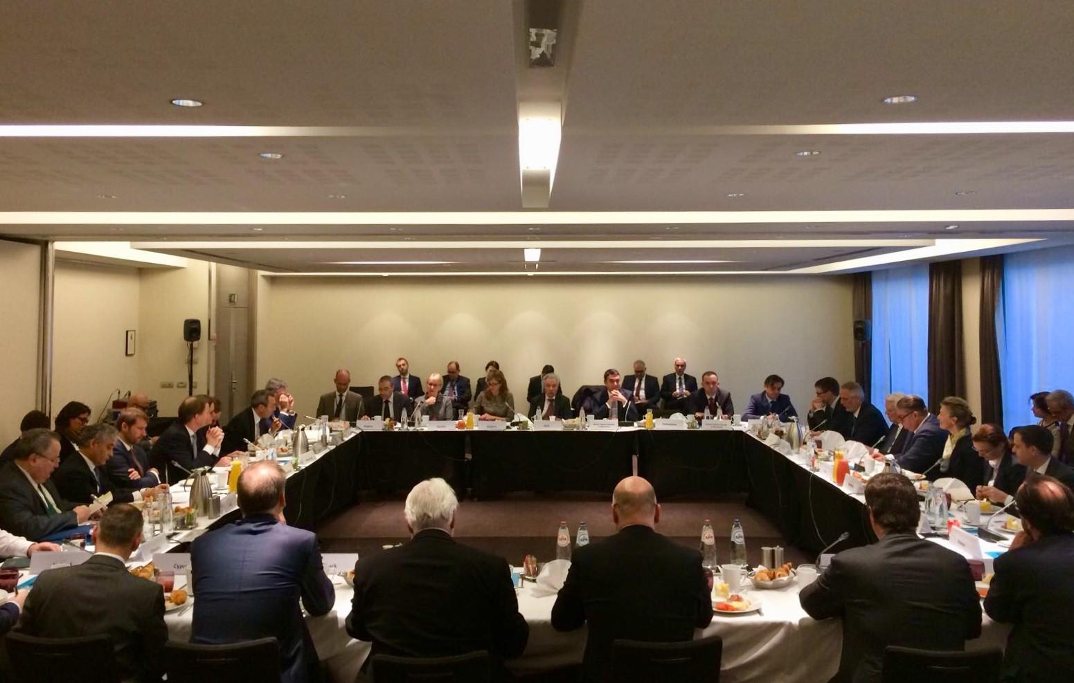 Димитров и Османи на работен појадок со министри за надворешни работи на земјите членки на ЕУ во Брисел