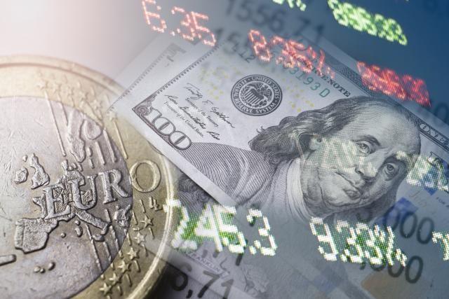 ПРОГНОЗИ ЗА 2018  Eве што ќе се случува со еврото и нафтата