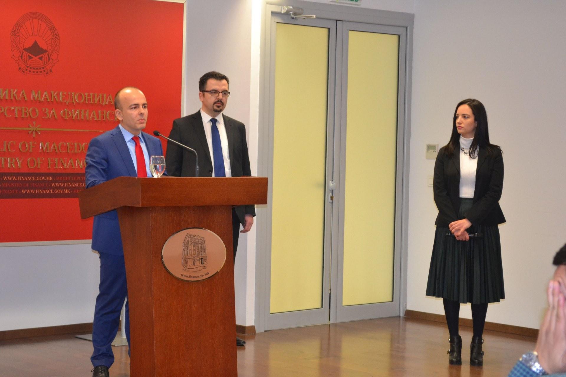 Тевдовски  Нето задолжувањето со оваа еврообврзница изнесува околу 300 милиони евра