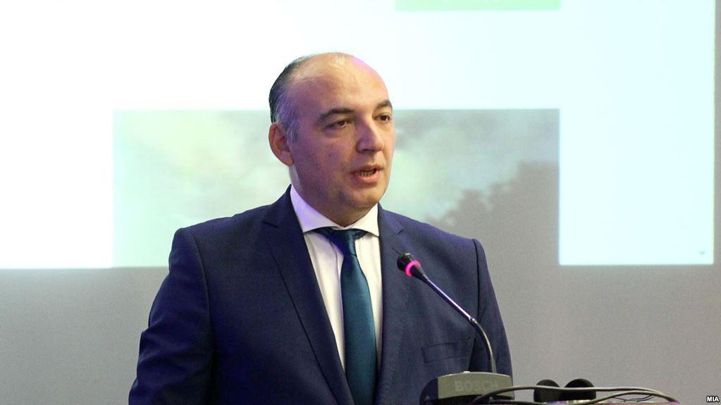 Тантуровски по силниот притисок си поднесе оставка