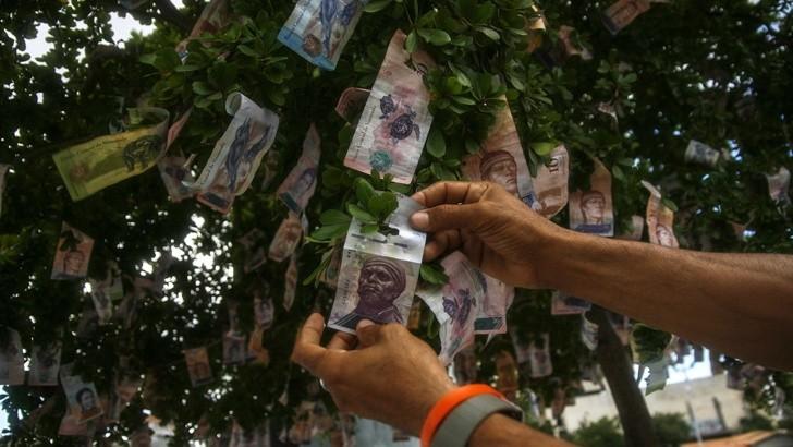 ИМААТ НЕДОСТИГ НА ПАРИ  Сепак се појави уште една алтернативна валута