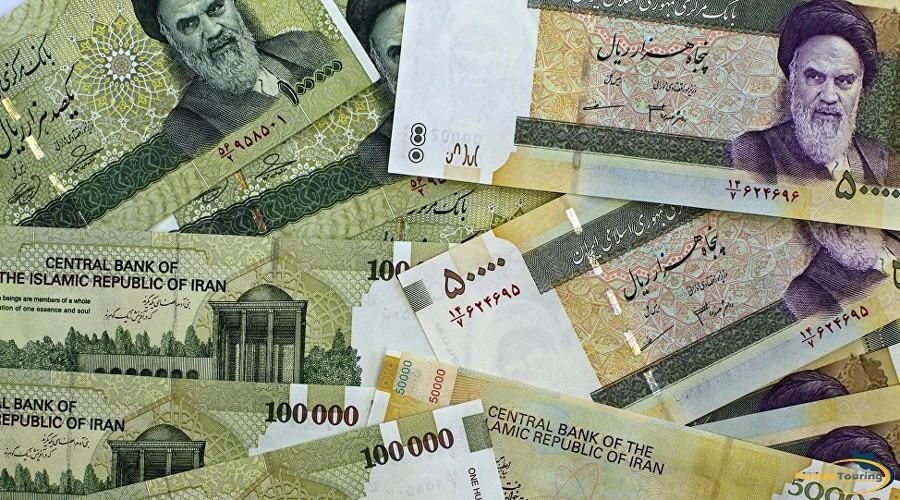 vo-iran-masovno-se-kupuvaat-dolari