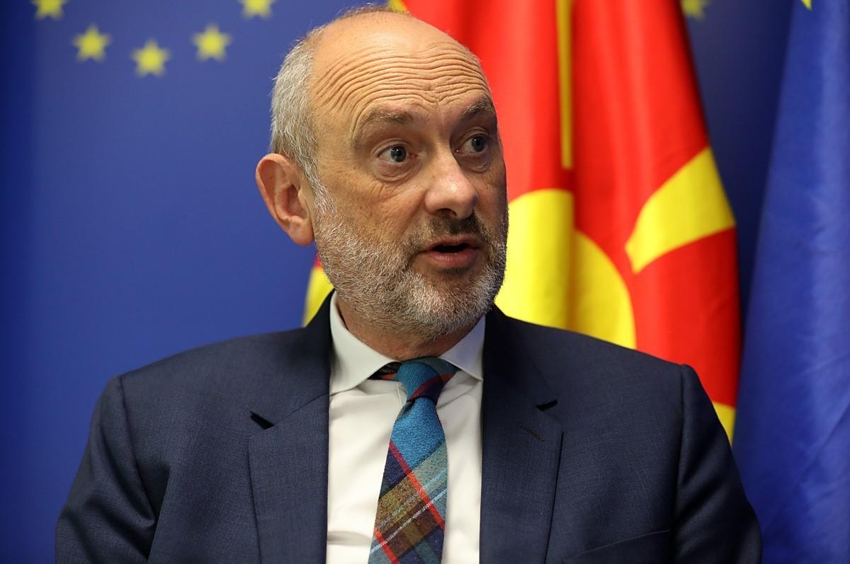 Евроамбасадорот Гир: За евентуалното одвојување на С Македонија и Албанија на патот кон ЕУ треба да дебатираат сите земји-членки
