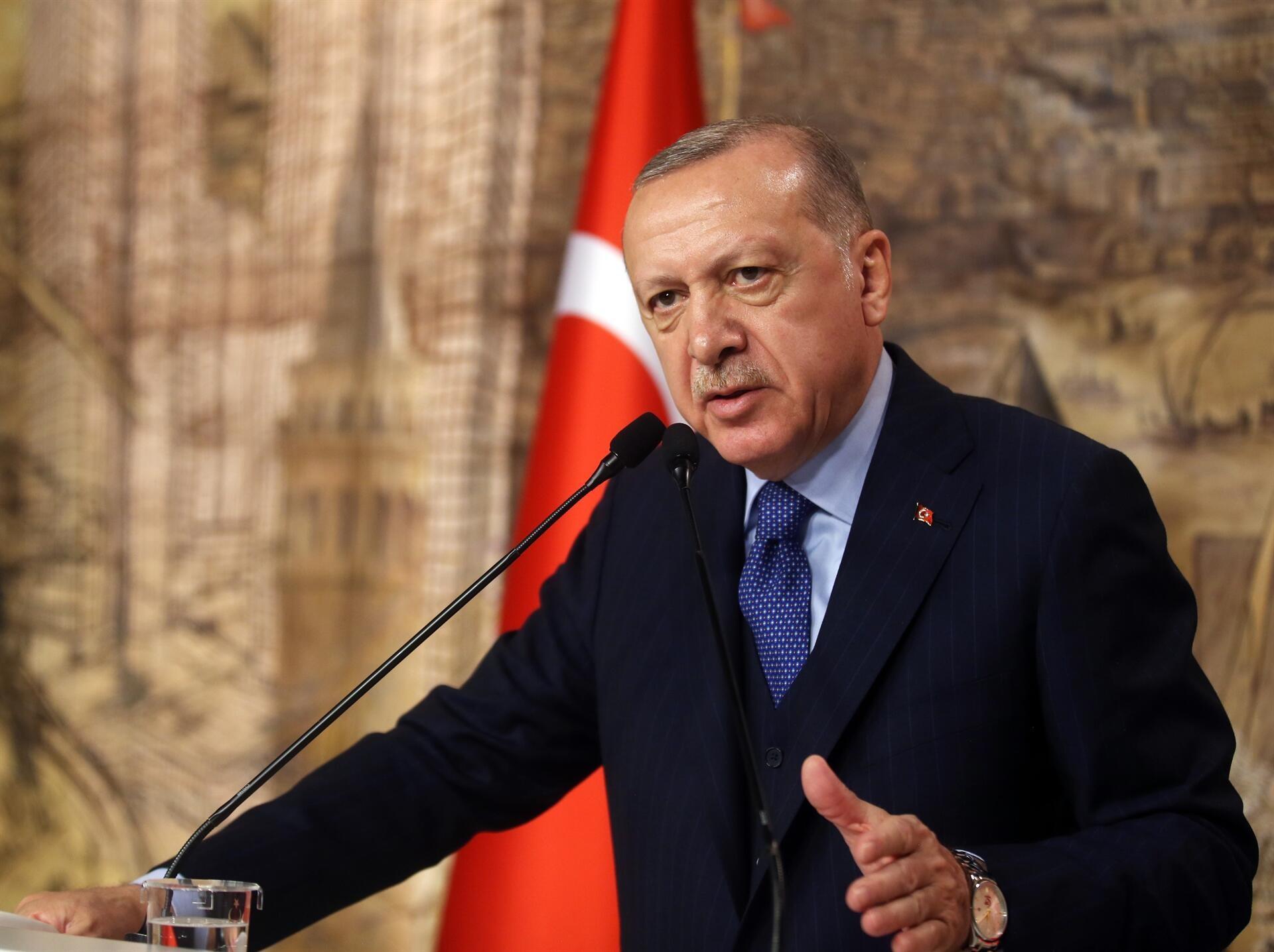 ЕРДОГАН Е УВЕРЕН ДЕКА ПОЖАРИТЕ СЕ ПОДМЕТНАТИ - во Турција приведено осомничено лице