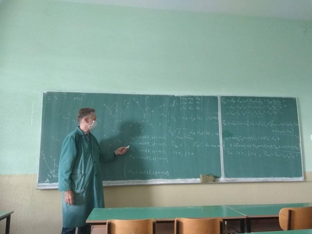 НА ЛУЃЕТО НАД 60 ГОДИНИ ТРЕБА ДА ИМ СЕ КАЖЕ ДЕКА КИНЕСКАТА ВАКЦИНА КАЈ НИВ МОЖЕ ДА НЕ СОЗДАДЕ  ИМУНИТЕТ - професорот Трајковски со јасна порака