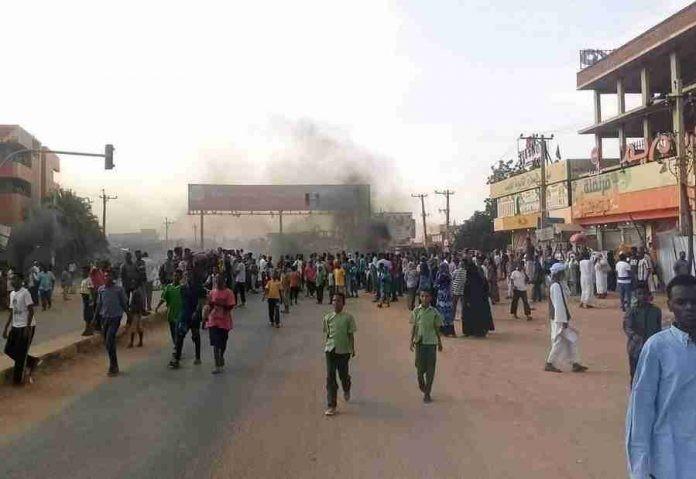 Пучот во Судан однесе тројца луѓе во смрт, а над 80 се повредени